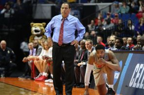 Head coach Kelvin Sampson kept his tie on the entire game, a rarity, as the Cougars blew out the Panthers. | Kathryn Lenihan/The Cougar