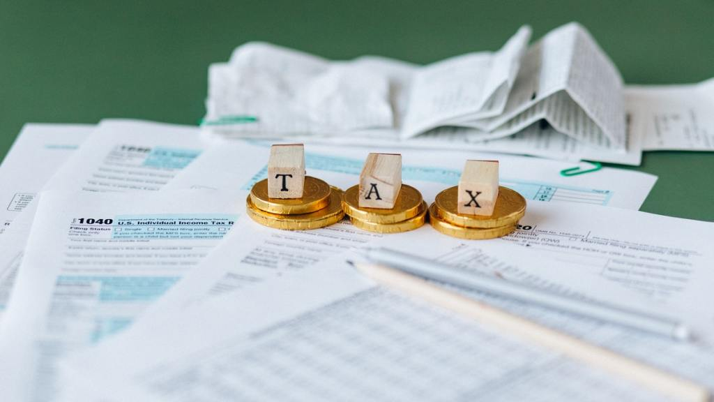 ways to legally reduce business taxes