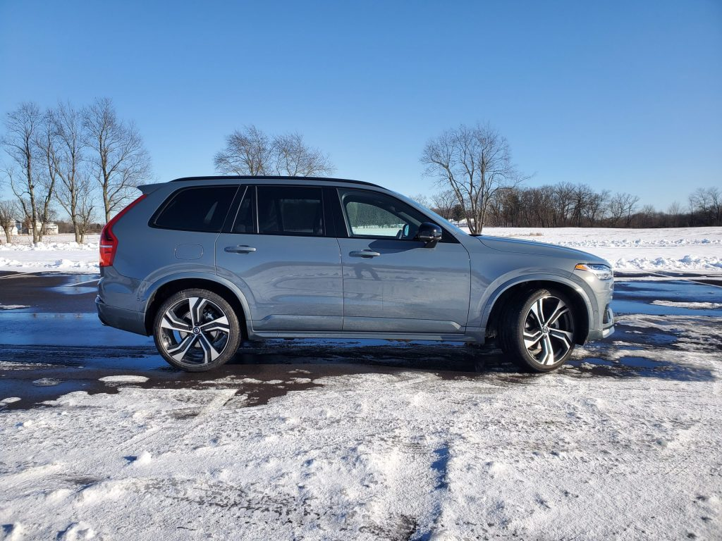 2020 Volvo XC90 Grey Right Side