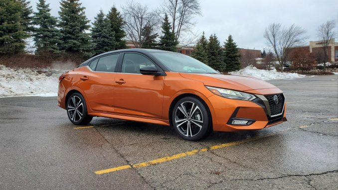 2020 Nissan Sentra SR Orange Front Right