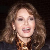 The Express: Barbara Walters Interviews of a Lifetime- Raquel Welch in 1985