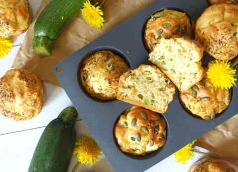 Muffins salés à la courgette et graines de courge