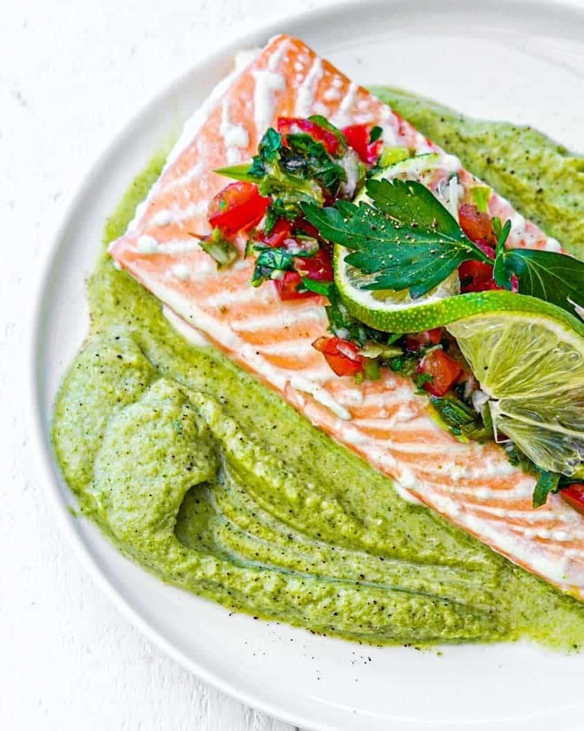 Saumon frais et purée de brocolis sauce chien