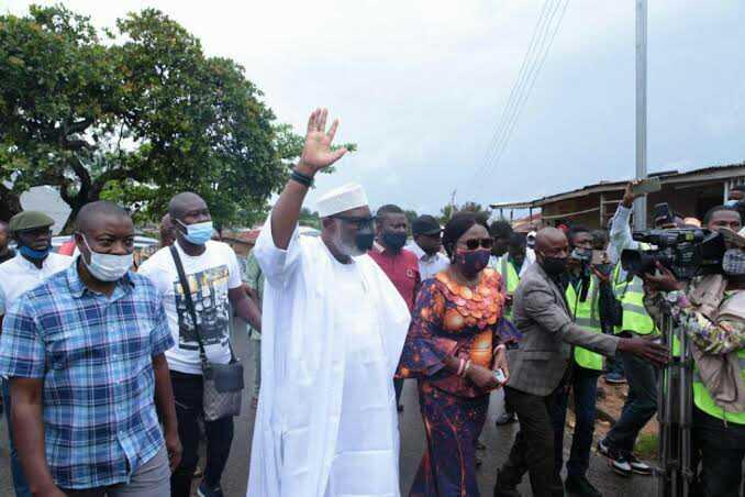 BREAKING: APC Akeredolu, Wife casts vote (Photos) 2