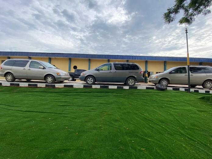 Onitsha Medicine dealers donate 3 vehicles to Police 1
