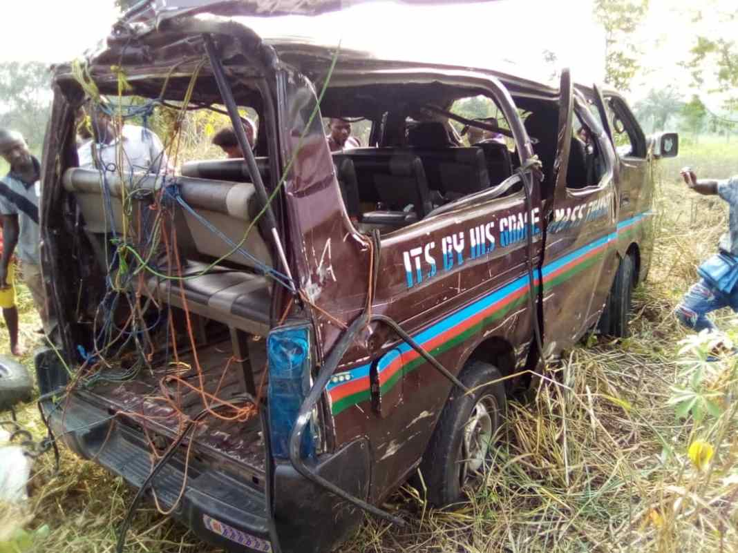 11 People escape death in Onitsha multiple accident 4