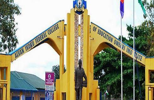 Panic in Alvan Ikoku College as lecturer slumps, dies in classroom 3
