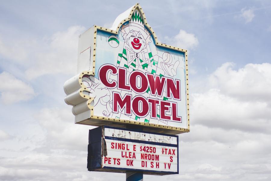 tonopah, neveda, creepy motel, cemetery
