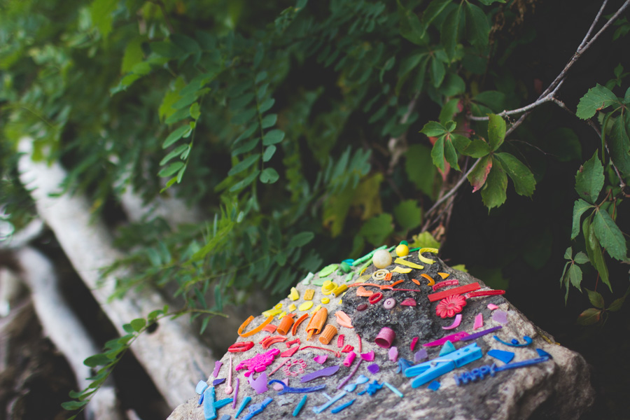 beach trash, colorful arrangement, plastic pollution
