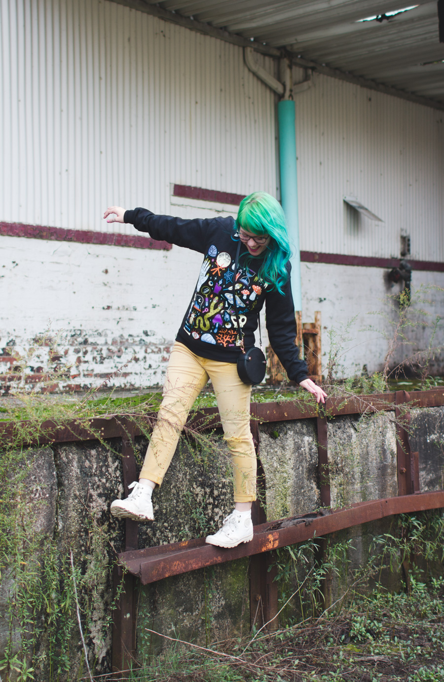 wicked clothes, yellow pants, paladium boots, green and blue hair