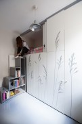 544efdace58ecea3a00000da_tiny-apartment-in-paris-kitoko-studio_portada_img_93331-530x795