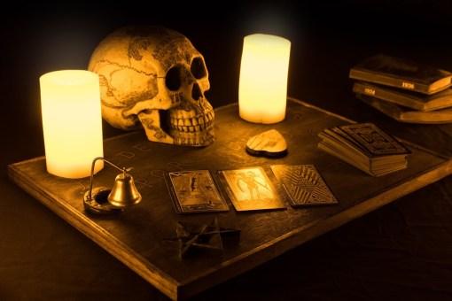 Lochlan-Masters-dark-seance-3