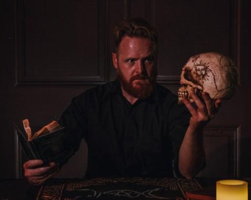 Lochlan-Masters-dark-seance