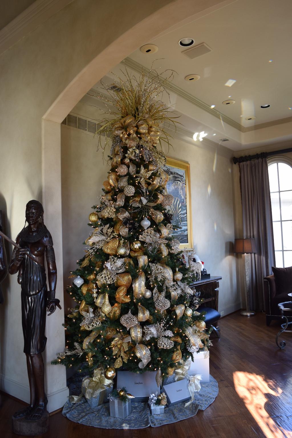 Christmas Tree How To   The Darling Petite Diva
