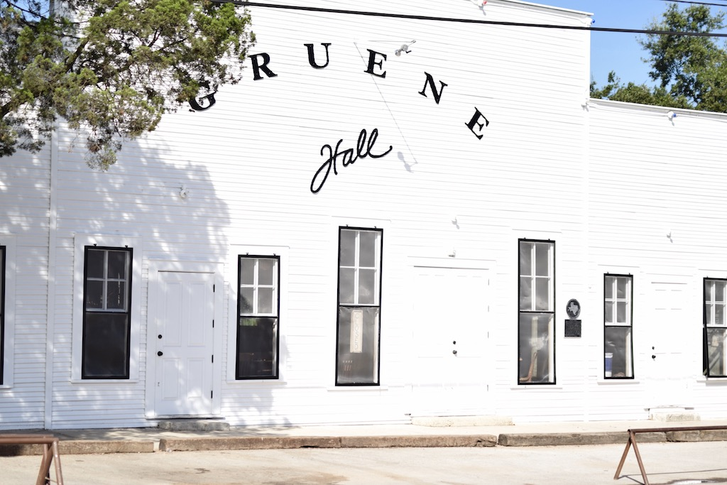 A Visit To Gruene Hall | The Darling Petite Diva | Lifestyle Travel Blog