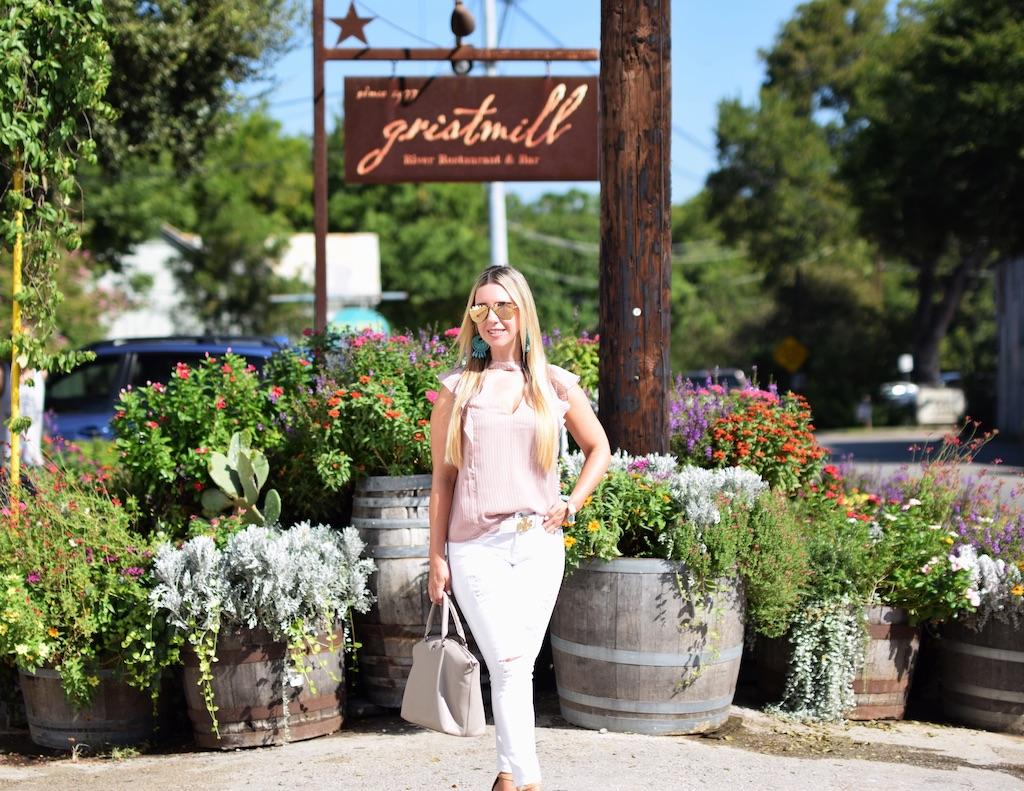 Summer Neutrals In Gruene | The Darling Petite Diva