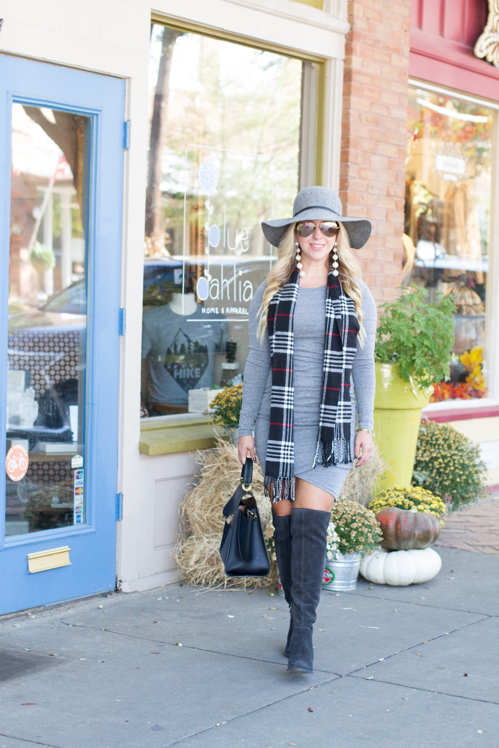 The Most Comfy + Flattering Fall Dress
