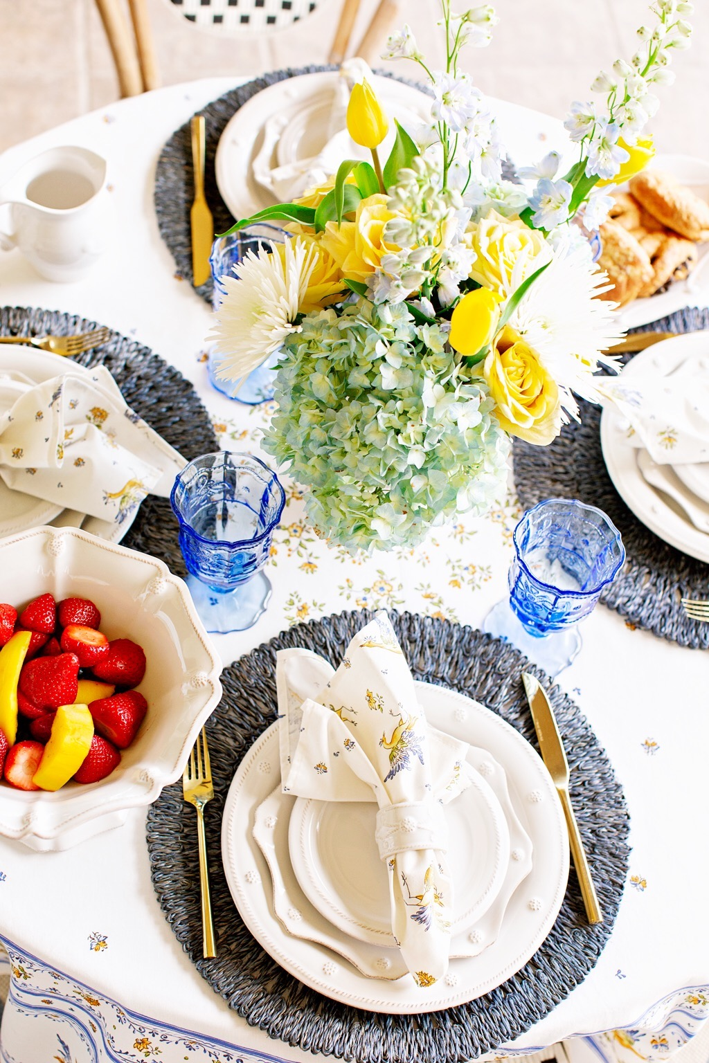 Mother's Day Brunch Tablescape | Juliska| The Darling Petite Diva