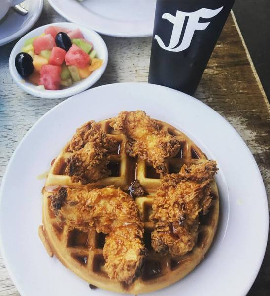 The best Chicken and Waffles LA - @thedashanddine
