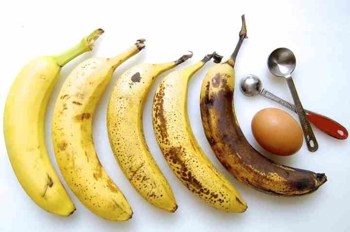 5 stages of bananas in the ripening process.