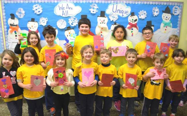 Boonton students make Valentines for Veterans