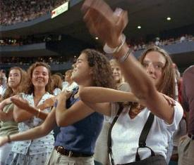 International Dance Day throwback: Yankee Stadium sets Macarena record