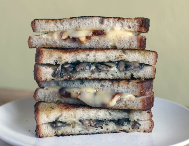 Grilled cheese sandwich gives gooey goodness
