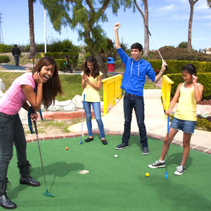 Boomers Celebrates National Miniature Golf Day With a Round of Miniature Golf