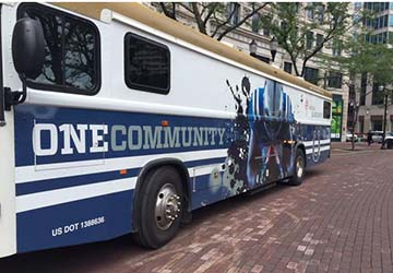 Colts Partner Up For World Blood Donor Day Celebration On Monument Circle