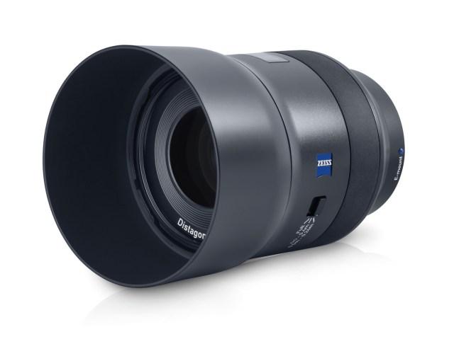 ZEISS showcases Batis 2/40CF Lenses, debuts ZX1 camera