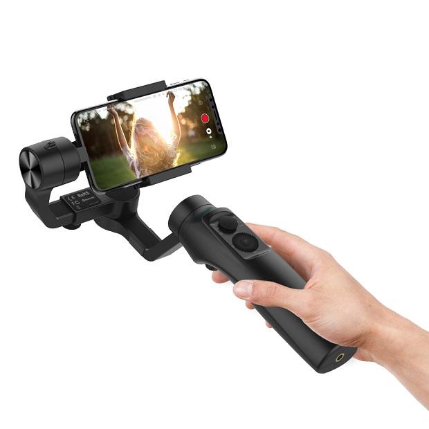 Gudsen debuts MOZA Mini-Me smartphone gimbal with wireless smartphone charging
