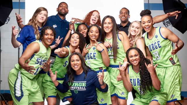 Capturelife signs women's pro basketball team as customer for experience-based photos
