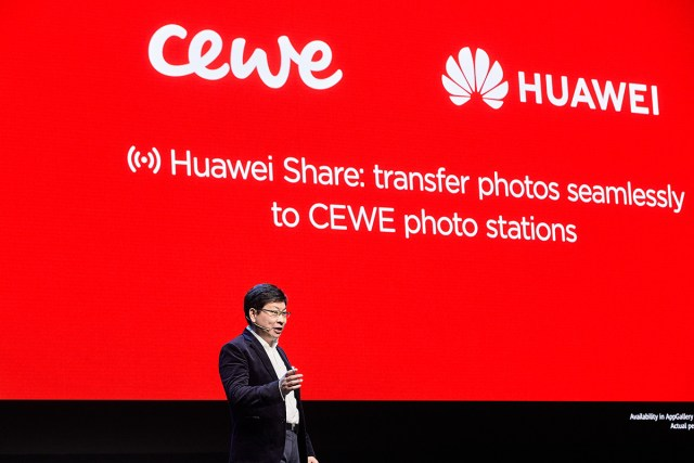 Hauwei, CEWE team up to offer simple photo printing from mobile