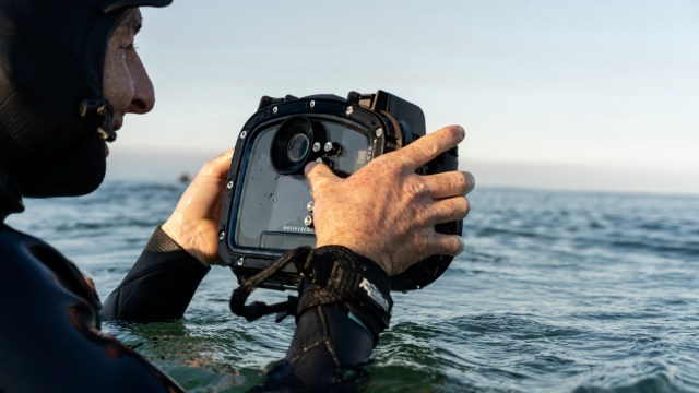 Hasselblad, AquaTech team up for new housing for X1D II platform
