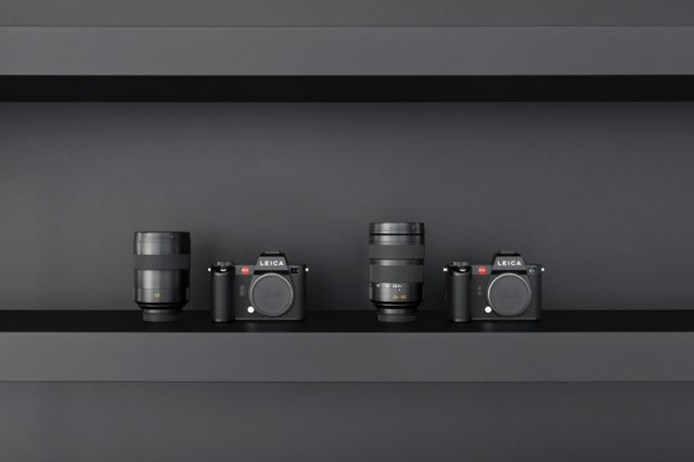Leica announces SL2 camera bundles