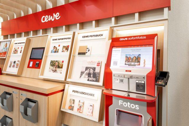 TIPA recognizes CEWE retail system, WhiteWall among awards