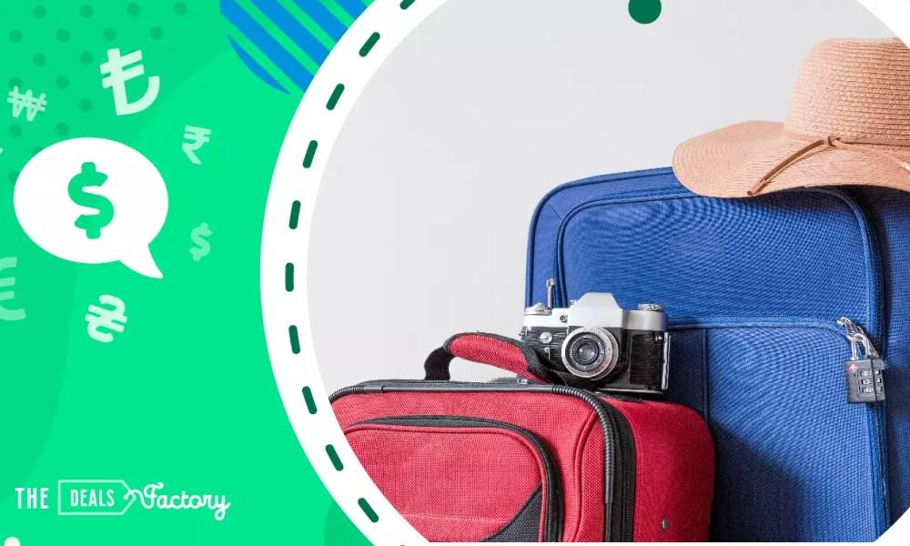 copertina cosa mettere in valigia: due valigie e una macchina fotografica