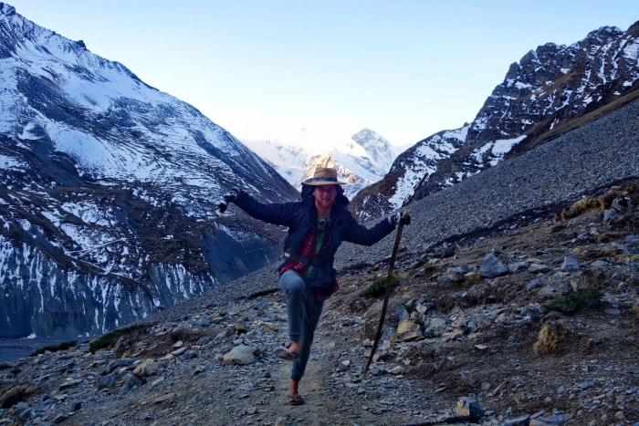 Sunrise yoga practice ascending to Thorong La