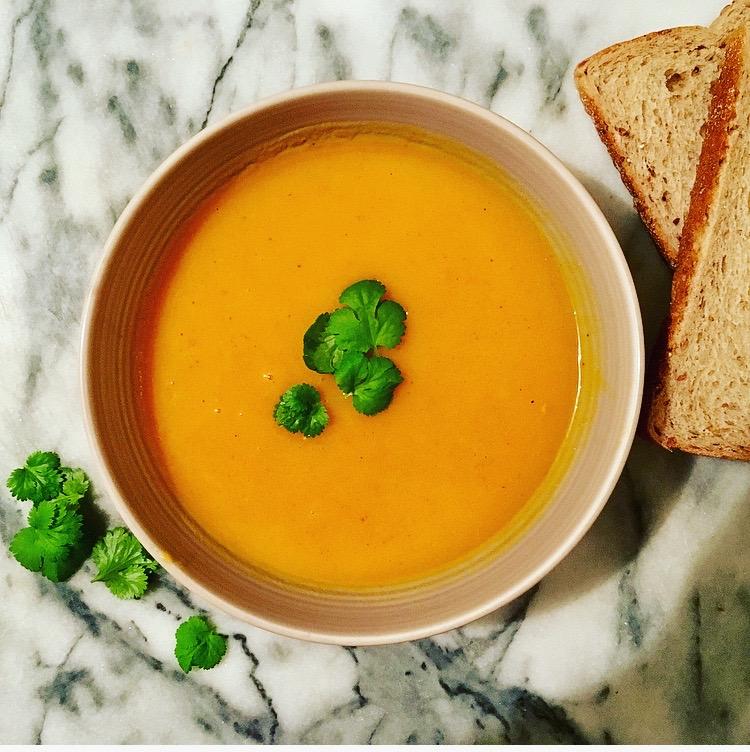 Fast & Tasty Carrot & Coriander Soup