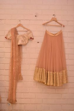 Wedding Guest Style: Such a great option to wear to a close friend's wedding. The muted colours lend it elegance.