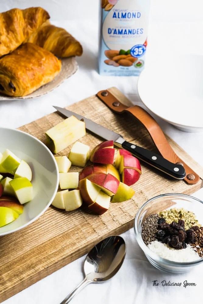 Ingredient shot of apple n'oatmeal ingredients