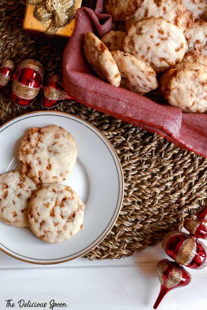 Overhead shot of skor bit shortbread meltaways cookies