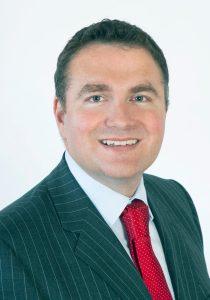 Elliott Ballantyne BA, Mod Physiology, BA, BDentSc (TCD), MFD RCSI, MSc Dental Implantology (Bristol)