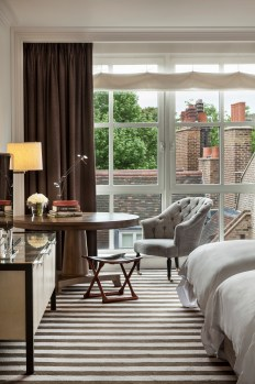 Rosewood London_Premier Room Window