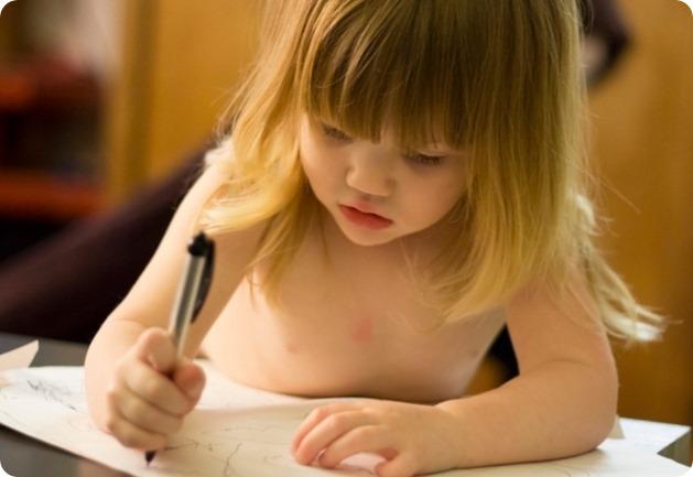 little-kid-drawing-ballpen