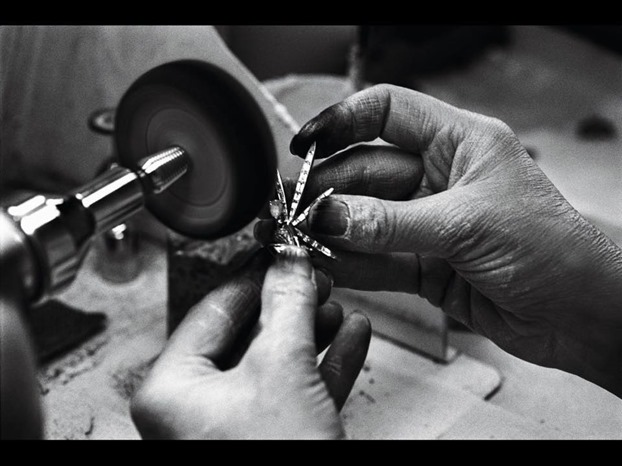 Van Cleef and Arpels - Polisher
