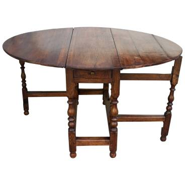 Decor Dictionary: Gateleg Table