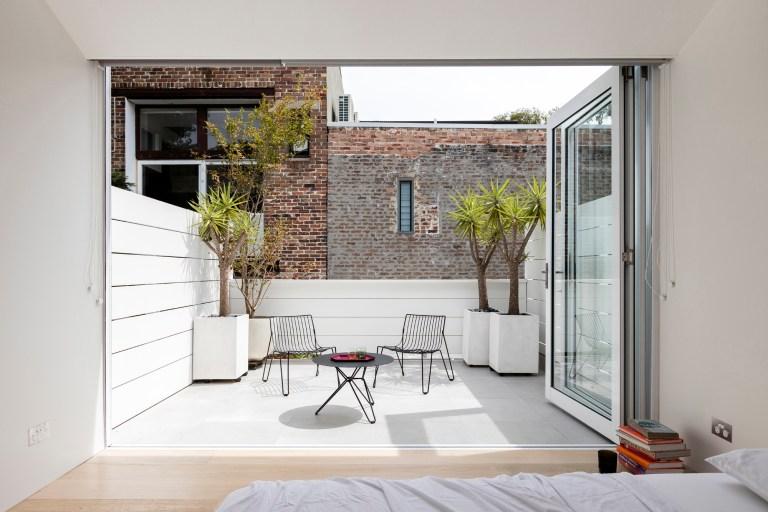 Upstairs exterior, Surry Hills Terrace by Benn & Penna. Photo: Tom Ferguson