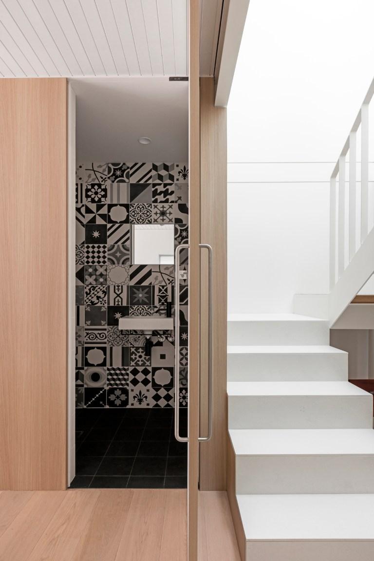 Bathroom, Surry Hills Terrace by Benn & Penna. Photo: Tom Ferguson
