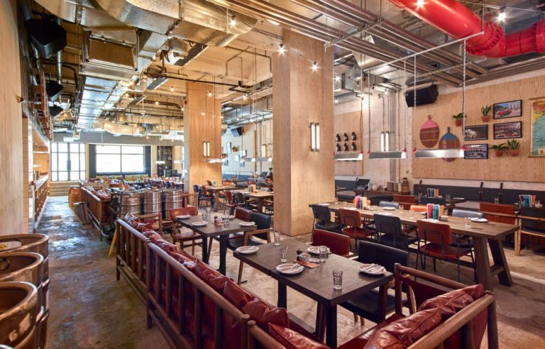 Relaxed dining at Little Creatures Hong Kong by Charlie & Rose. Image: supplied